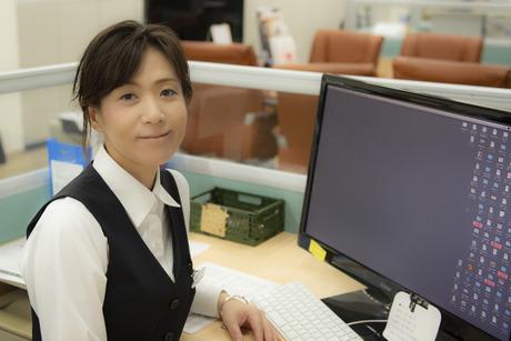 【土日祝休み/社員登用アリ】綺麗なオフィスで快適に経理事務のお仕事